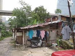 Anwar curiga data lebih ramai miskin bandar berbanding desa