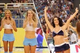 Archiv two hot teen cheerleaders