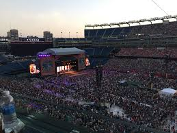 Kenny Chesney Spreads The Love In Foxborough New England