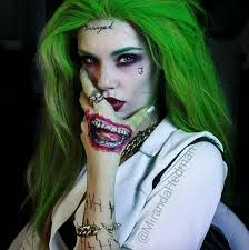 this is bad a female joker i rather liked the anarchist joker over the gangster one but this is still cool