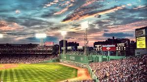 夕闇せまる雲への夕日が美しい球場