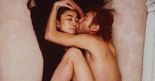 Annie Leibovitz's Iconic Photo of <b>John Lennon</b> and <b>Yoko Ono</b> - Artsy