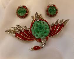 Trifari Alfred Philippe Designs Rare Alfred Philippe Design 1942 Trifari Ming Collection Red