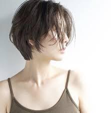 ショートボブミディアムボブ30代の大人女性に似合うヘアスタイル