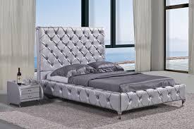 Duplo High Headboard Crystal Tufted Bed