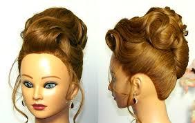 Вечерняя прическа для средних волос Бабетта с ракушкой