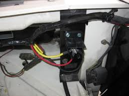 62 generator to alternator conversion vintage thunderbird club this pic shows the wiring at the selenoid the red wire is main from alternator and heavy yellow goes to the junction the smaller yellow goes to the horn