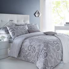 image of grey pattern paisley bedding
