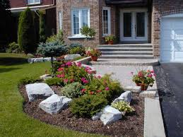 Small Front Driveway Design Ideas Outdoor Landscaping Small Front Yards Like The Around