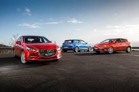 Mazda 3 Maxx vs Hyundai i30 Active vs Toyota Corolla Ascent Sport ...