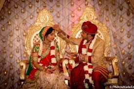 bride and groom photo at indian wedding in the skylands nj gujarati wedding bridal makeup by cinderella bridez best wedding photographer photosmadeez