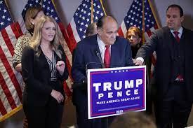 Trump's legal team lights a fuse ...