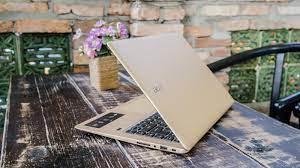 Review 12 laptop cho dân văn phòng, mỏng nhẹ thuận lợi nhất năm 2021