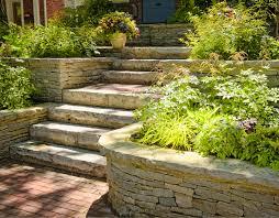 Damit in allen bauten gleich bleibend sichere treppen verwendet werden, wurde ihre herstellung in der din 18065 fest geschrieben. Gartenmauer Aus Naturstein Einfach Selber Bauen
