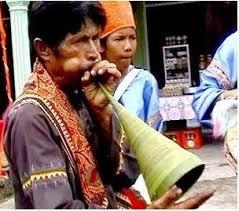 Selain biola dan gitar, ternyata ada juga alat musik tradisional dari jawa barat yang memiliki kategori dawai. 9 Alat Musik Tradisional Sumatera Barat Lengkap
