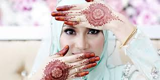 Inai atau henna merupakan aksesoris yang bisa membuat wanita tampak lebih cantik dan bikin gemes. 40 Koleksi Gambar Design Henna Tangan Cantik 2018