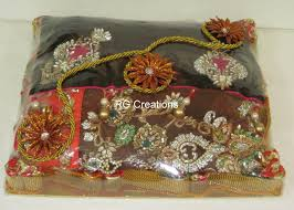 Saree Tray Decoration 60 [ Saree Gift Wrapping Ideas ] Indian Wedding Gift Packing 37