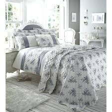 french country toile bedding fl urn french country queen quilt set burdy red ecru cotton bedding pink french country blue toile bedding french