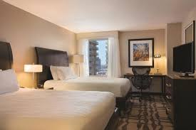 hilton garden inn chicago downtown magnificent mile hotel deals reviews chicago redtag ca