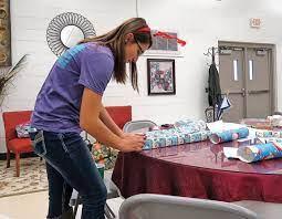 Ringgold High School elves buy gifts for foster children | Catwalkchatt |  northwestgeorgianews.com