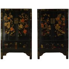 pair of 19th century chinese black lacquer cabinet with wucai painting at 1stdibs black lacquer furniture paint