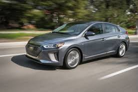 2018 hyundai ioniq. plain 2018 2017 hyundai ioniq hybrid front three quarter in motion 08 with 2018 hyundai ioniq