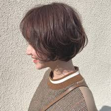 ショートのセルフカットのやり方は女性の前髪後ろ髪襟足の切り方