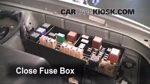 replace a fuse 2001 2007 toyota highlander 2002 toyota 6 replace cover secure the cover and test component