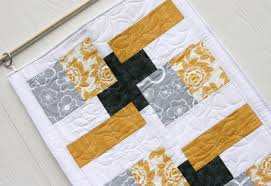 table runner | Sew Fine Fabric & Recipe Cards Adamdwight.com