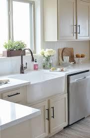 farmhouse style kitchen makeover spring summer decor white quartz countertops pros and cons white diamond quartz