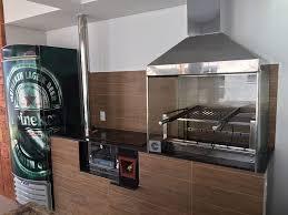 + balcão refrigerado sob medida otimiza espaço de área gourmet Fogao A Lenha Area Gourmet Ecofogao