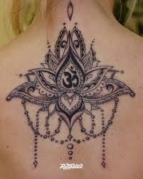 фото татуировки лилия в стиле графика орнаментал татуировки на