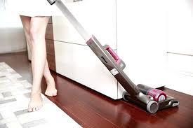 vacuum cleaner hard floors best
