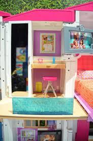 barbie o dreamhouse bedroom