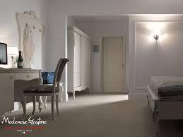 Testata Letto Con Porta : Camera da letto con testiera imbottita e scrivania porta