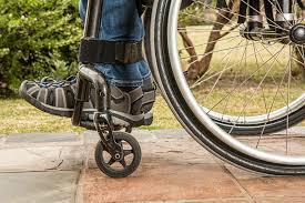 Resultado de imagen para discapacidad silla de ruedas niña