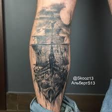 татуировка на голени у парня корабль фото рисунки эскизы