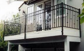 O guarda corpo varanda vidro é uma forma segura, moderna, elegante e prática de proteger a varanda de casas, apartamentos, empresas e estabelecimentos comerciais contra quedas. 10 Modelos De Guarda Corpo Para Seu Projeto