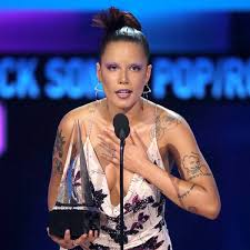 Many of you know ive done my own makeup for a long time. Halsey Gives Passionate Speech After Receiving First Ever Ama Win E Online Ap