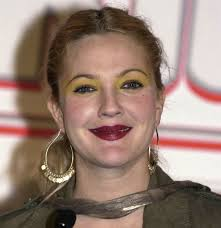 she looks lovely even with light makeup so it was quite a shock for her to see with yellow eyeshadow and a dark lipstick