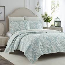 com laura ashley rowland blue quilt set full queen home kitchen