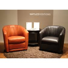 a835 upholstered leather swivel armchair by natuzzi editions city schemes contemporary furniture