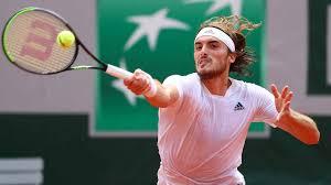 What racquet does tsitsipas use? I2qasgd Cduw5m
