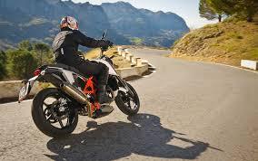 Resultado de imagen de tecnicas de conduccion en moto