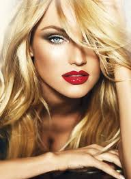red lips smokey eye not too strong of a smoky eye looks nice bt to