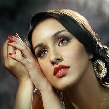 bollywood shraddha kapoor launched makeup pro app in lakme week news hindi