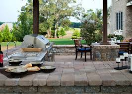 Kitchen Design > Weber Outdoor Kitchen Outdoor Kitchen Trends Paver # Outdoor  Kitchen With Weber Q