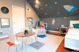 space themed toddler bedroom
