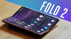 Galaxy Z Fold 2 review: an extravagant success - YouTube