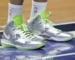 lebron 8 dunkman. #solewatch // demarcus cousins broke out the nike lebron 8 ps \ lebron dunkman p